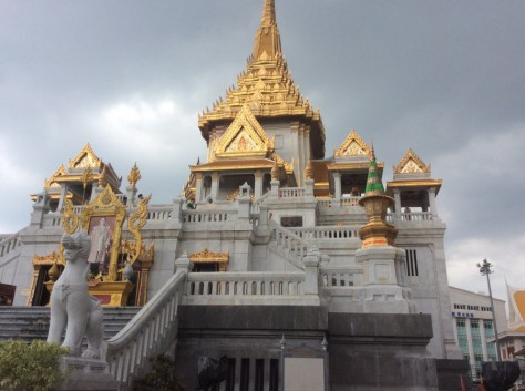 Phra Maha Mondop, Golden Buddha